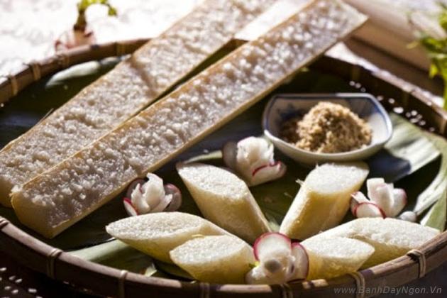 Cơm lam thơm ngon, một món ăn bình dị, dân dã mà ấm áp nghĩa tình của núi rừng.
