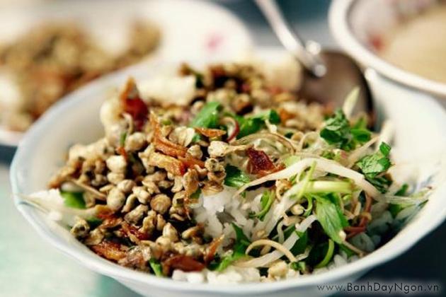 Cơm hến - món ăn bình dân nhưng đậm đà hương vị xứ Huế