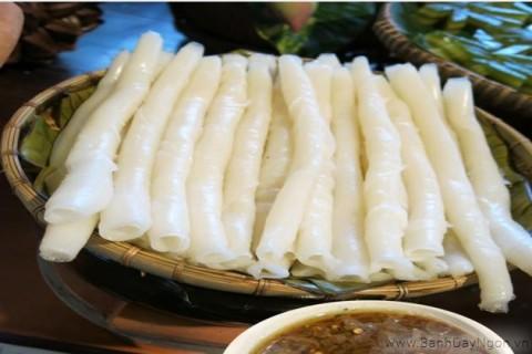 Bánh gật gù vừa ăn vừa gật của Tiên Yên - Quảng Ninh